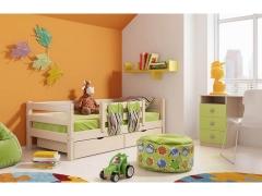 Детская кровать Соня с защитой по центру Вариант 4